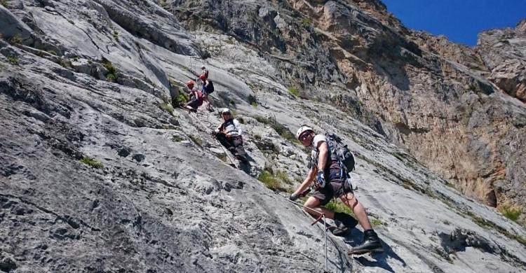 Klettergurt Für Anfänger : Klettersteige am gardasee u2013 für anfänger proalpin